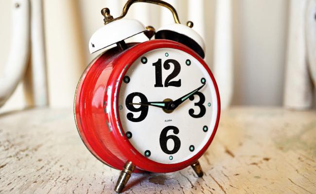 バンクイックの在籍確認はタイミングをいつにするか時間指定することは可能なの?